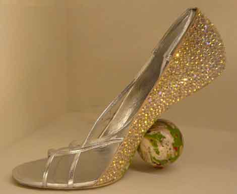 gold-shoe-with-ball